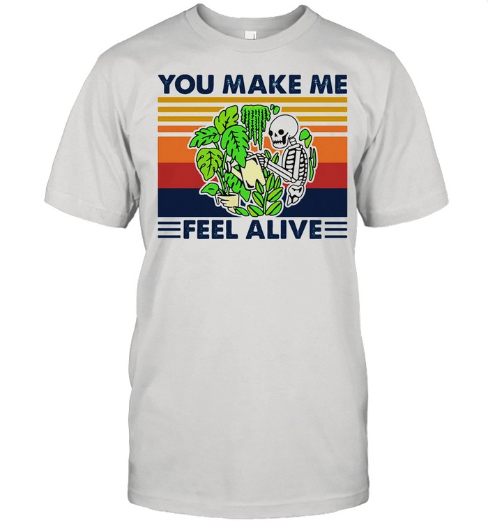 Gardening You Make Me Feel Alive Skull Vintage shirt Classic Men's T-shirt