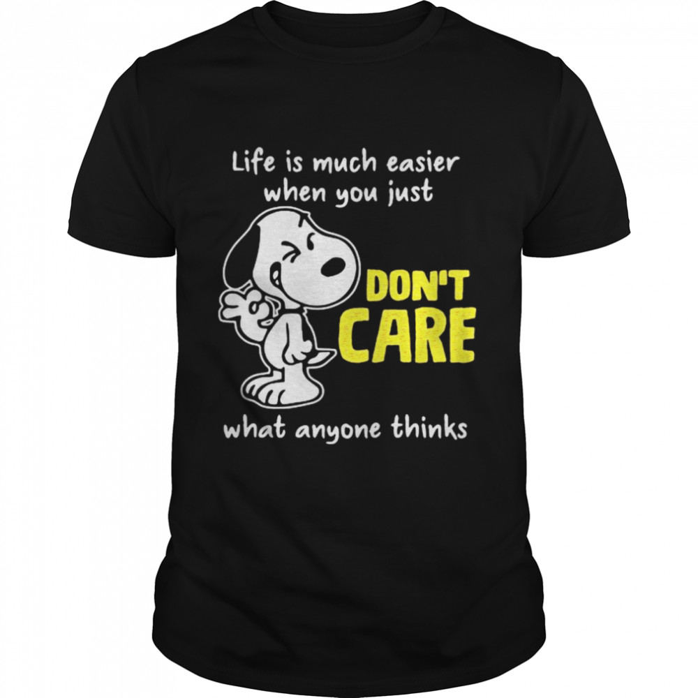 Life Is Much Easier When You Just Don't Care What Anyone Thinks Snoopy  Classic Men's T-shirt