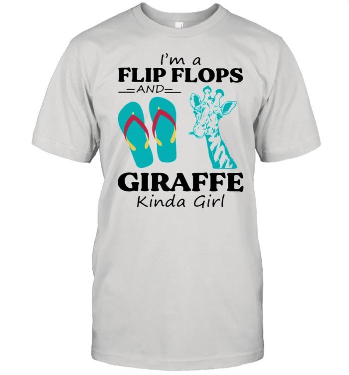 I'm A Flips Flops And Giraffe Kinda Girl  Classic Men's T-shirt